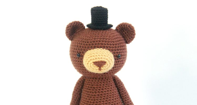 How to Add Faces to Your Amigurumi: Sleepy Eyes | Squirrel Picnic | 400x750