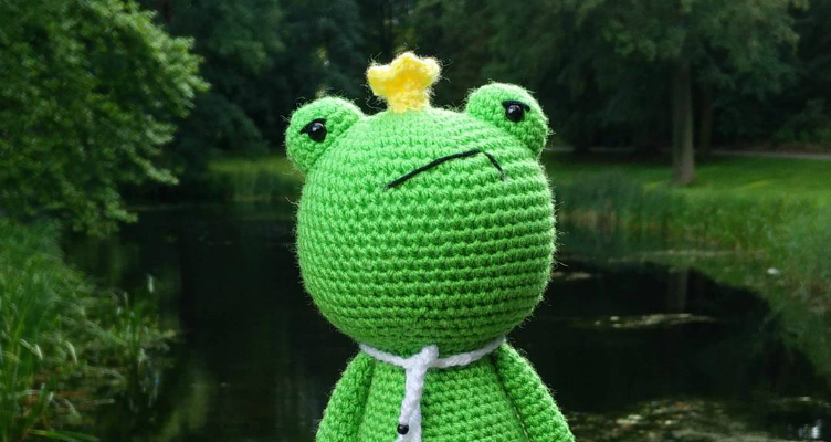 How to Embroider on Amigurumi by Little Bear Crochets